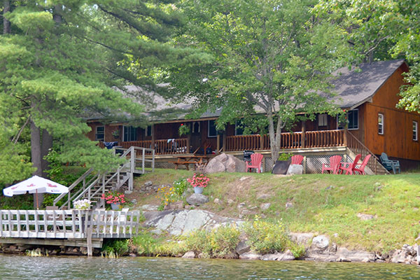 Twin Verandas Cottage at Blue Mountain Lodge in the Kawarthas